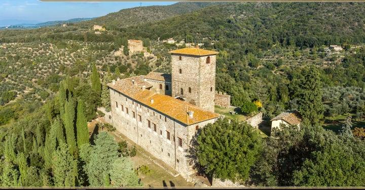 Medieval castle (27 beds)-Chianti-Florence 15km