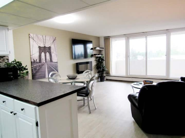 Clean and Cozy Condo in Central Red Deer