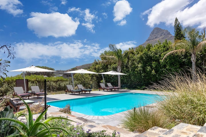 Stunning modern retreat with fabulous views