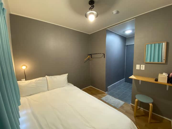 단테하우스 *더블룸* 부산역5분거리 Dante House near Busan KTX st.