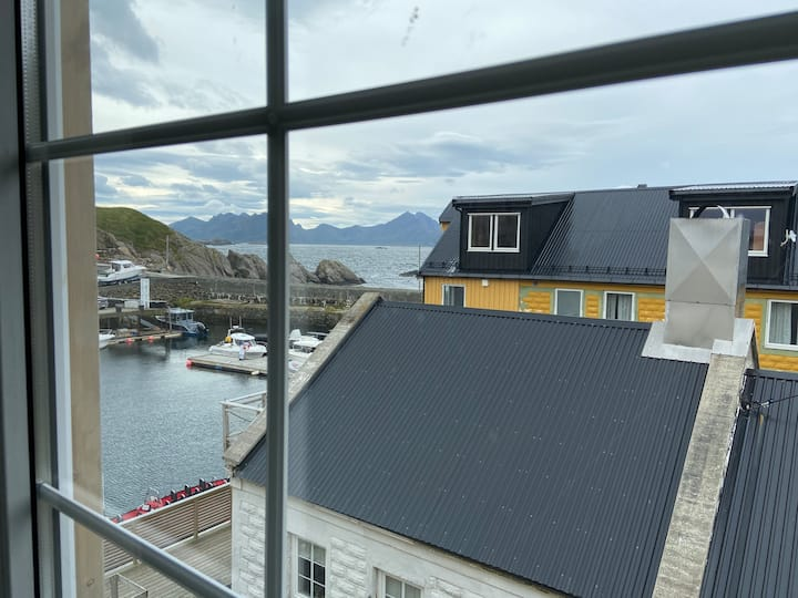 Holiday flat Anda Fyr on the pier in Nyksund