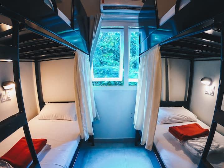 Hostel 5 People Private Ensuite w/ Bathroom Copa