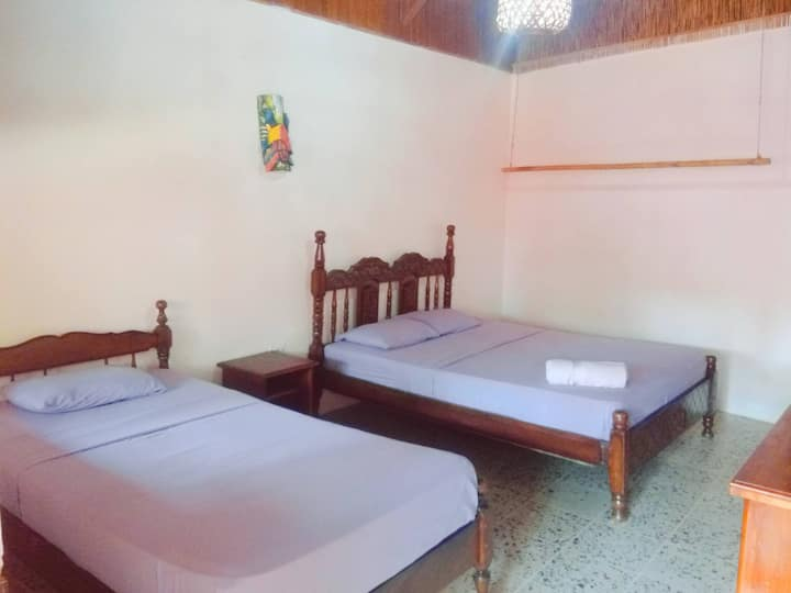 Bahia, Private room 3, a few steps from the beach