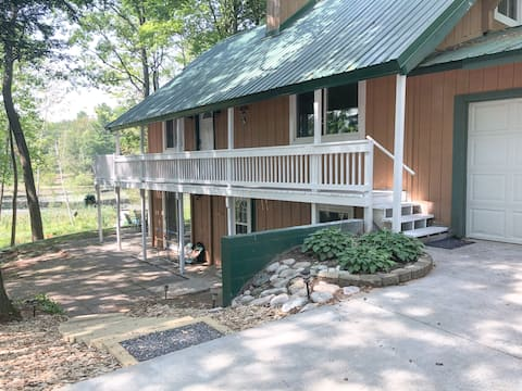 Blue Gill Lakehouse | Spacious 5 Bedroom Home
