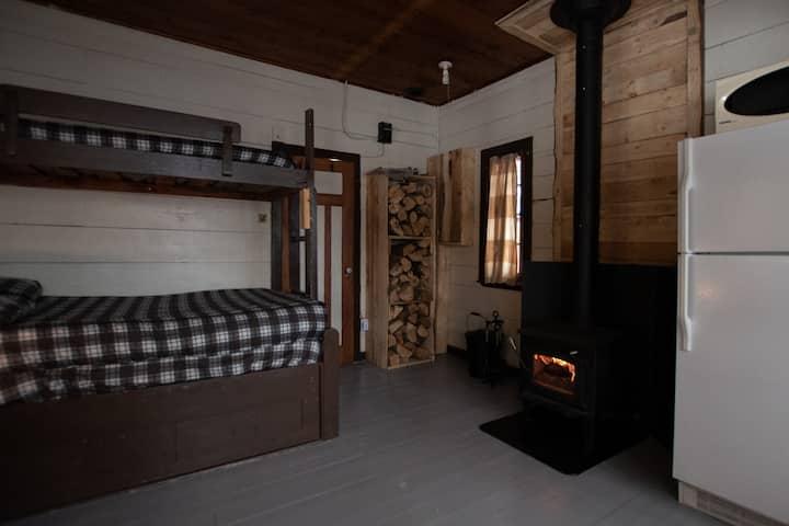 [ #3 LE LOUP ] Un loft en bois rond