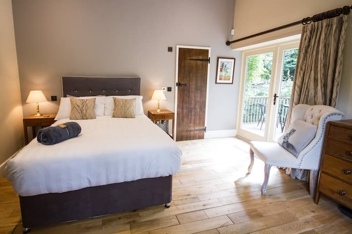 Luxury ensuite  B&B room,  dogs welcome