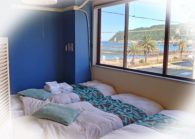 寝室からも海が目の前に!Ocean view from the bed room