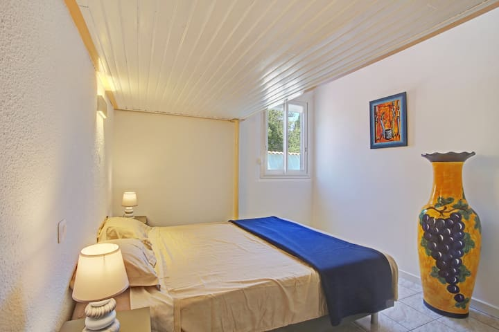 Côté chambre 1