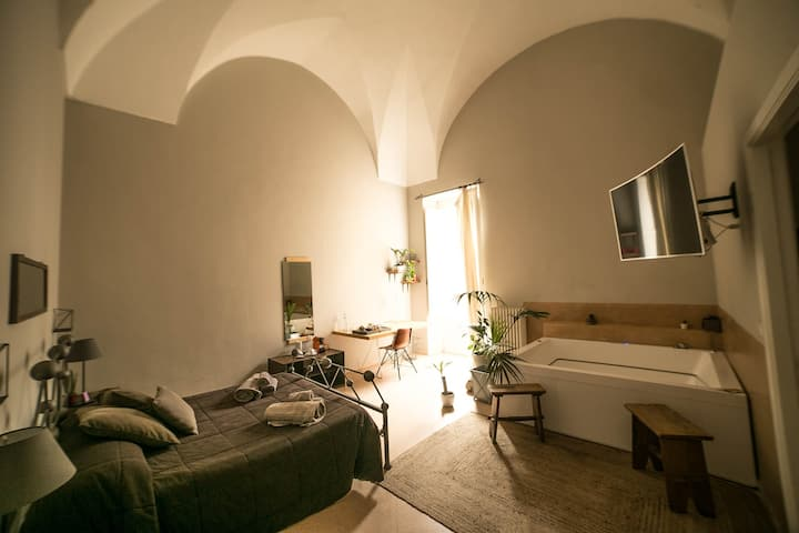 4 Balconi rooms-SUITE WITH JACUZZI