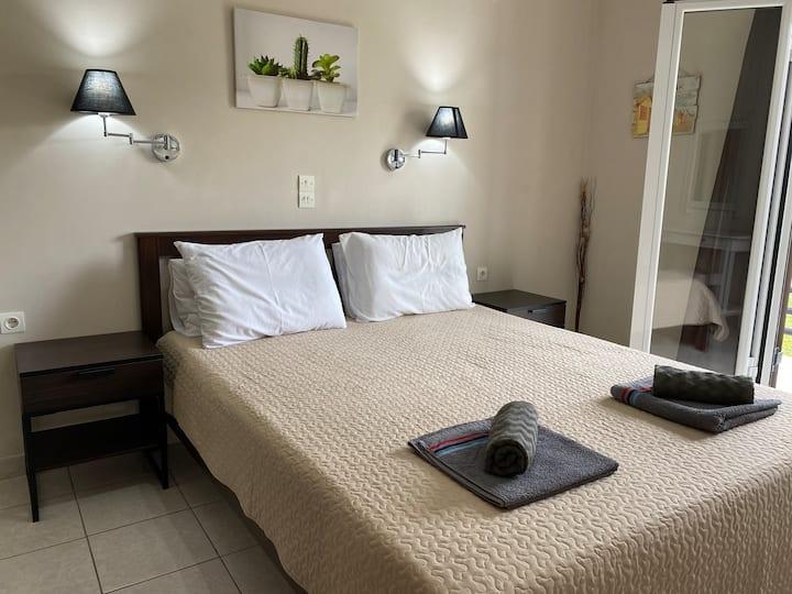 Alexander Apartments 2
