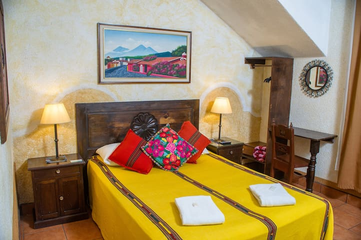 Comfortable Double Room -Antigua Near Central Park