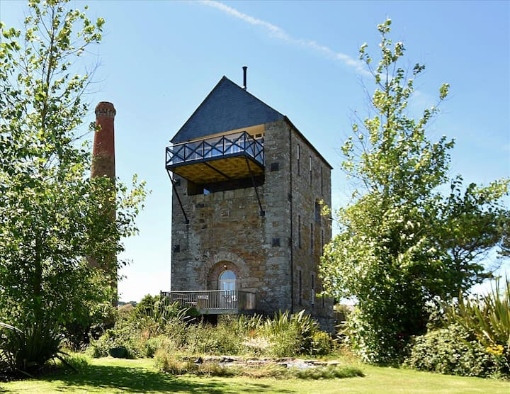 Luxury Engine House - a Unique Holiday Home for 2