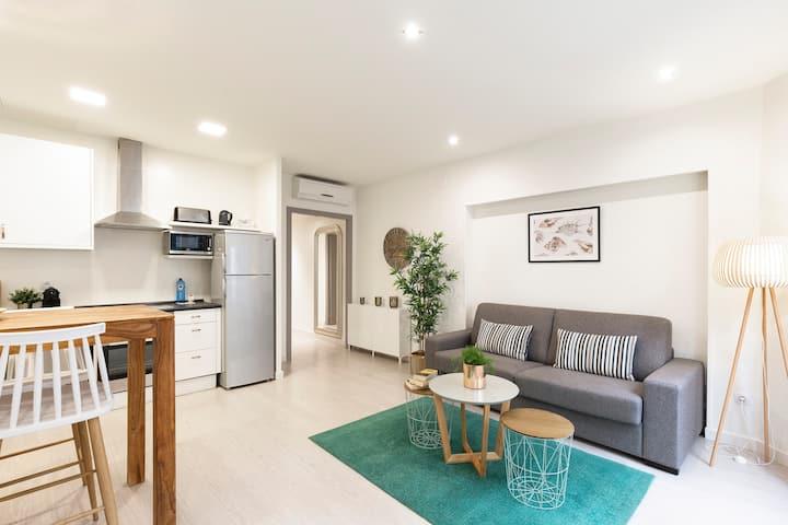 Cozy Apartment, 1 Bedroom next to the beach