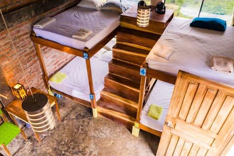 Playa Maderas - Spacious 6 bed Dorm mixed