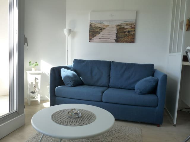 Canapé/lit confortable : literie neuve et de qualité