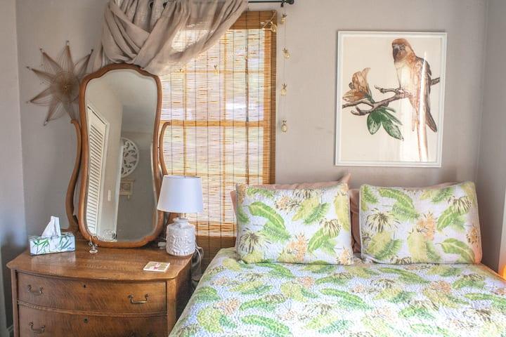 Vintage Tropical Room