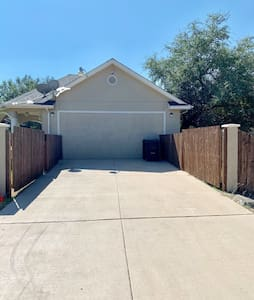 Private 4 car driveway for guests