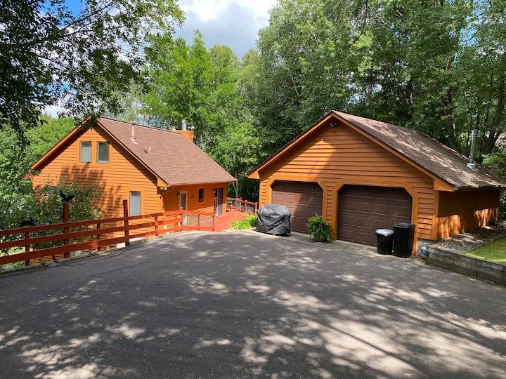 Cabin Getaway, Fun, Fish, Building Memories(8 beds