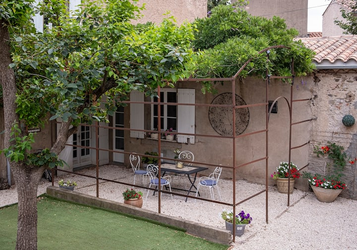Appartement 24, newly renovated, Caunes-Minervois