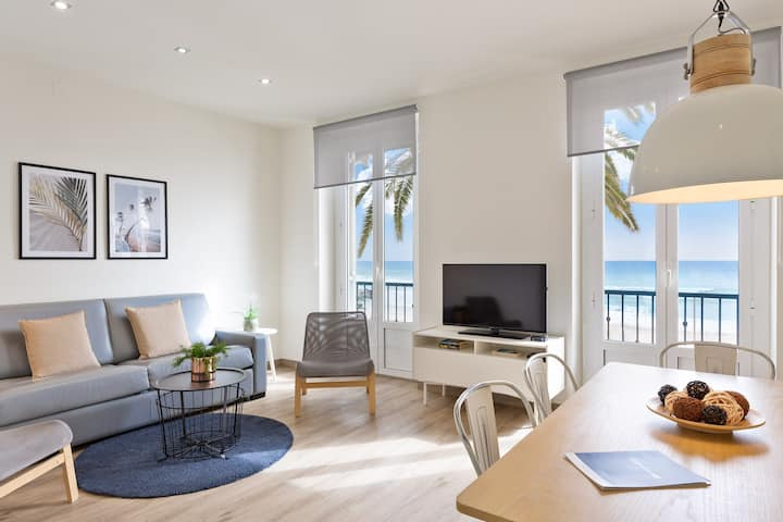 Beachfront 2 bedrooms apartment