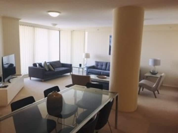 Large apartment with harbour views St Leonards