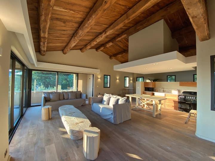 Villa Montecristo au coeur d'un Domaine *****