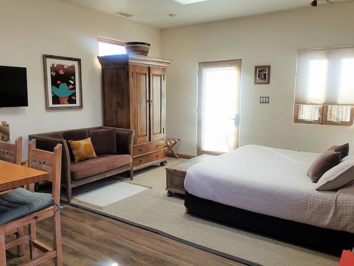 The Rose Casita - Immaculate Spacious Contemporary