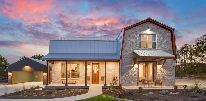 New Farmhouse in Driftwood, Minutes from Austin