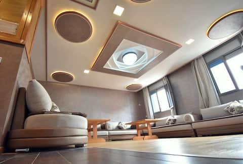 Italian Style Apartment Royal