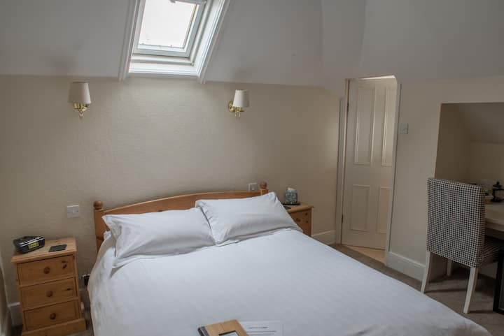 Toothbrush Rooms @ Lattice Lodge - Room 10 (of 14)
