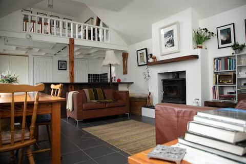 Rural Self Contained cottage ..