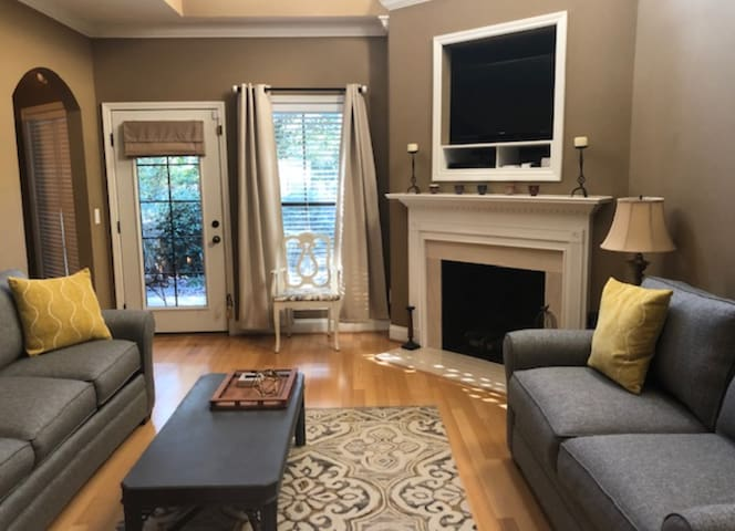 Comfortable and roomy Auburn townhome