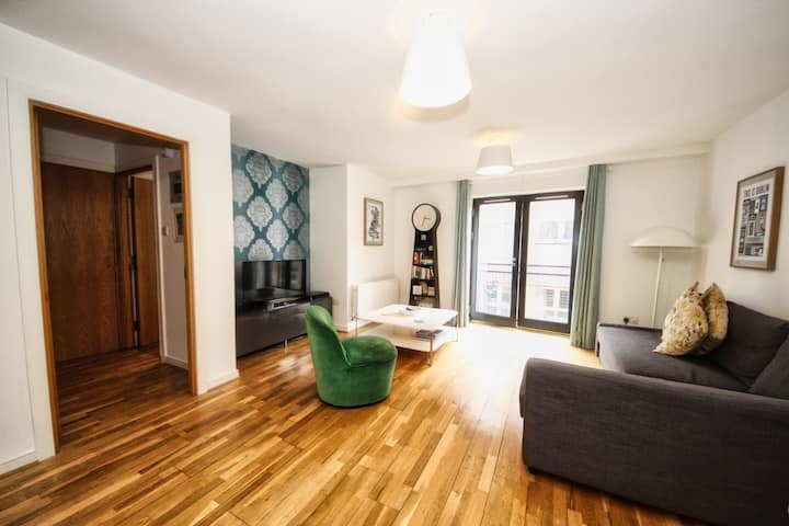 Stunning Temple Bar, City Apartment