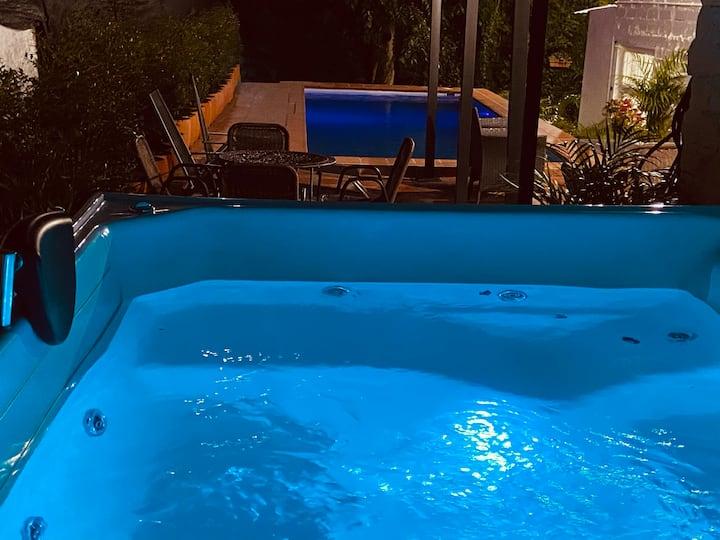 Best Villa With Jacuzzi & Pool in Medellin Poblado