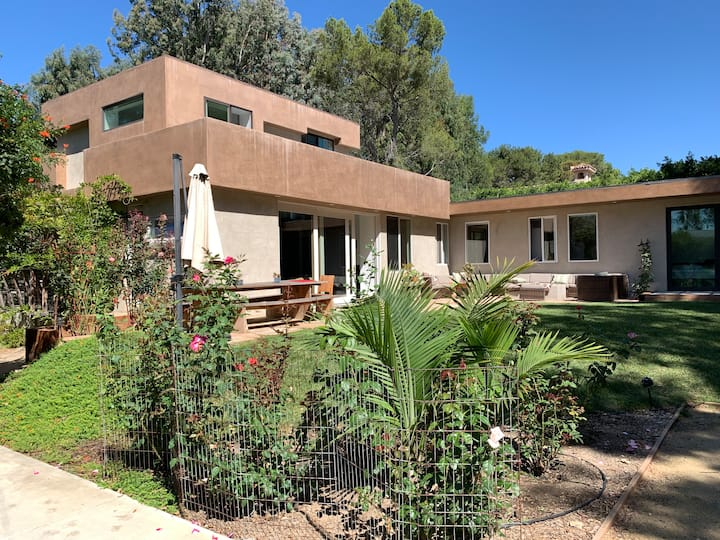 PtDume, Malibu. 3bd 2bath home. Beach key