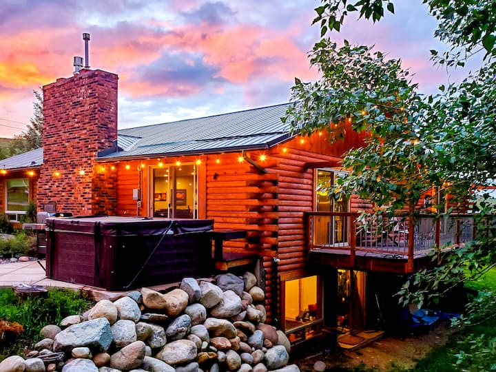 BEARTOOTH FOOTHILL RETREAT(extended-stay friendly)