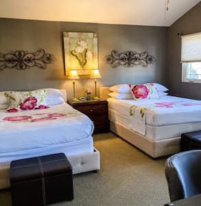 Double queen suite.  Views of Lake Powell.