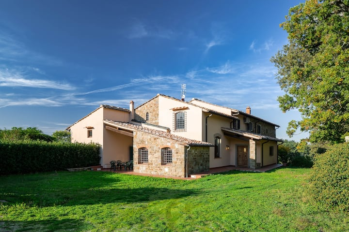 Private Villa on surrounding Florentine hills