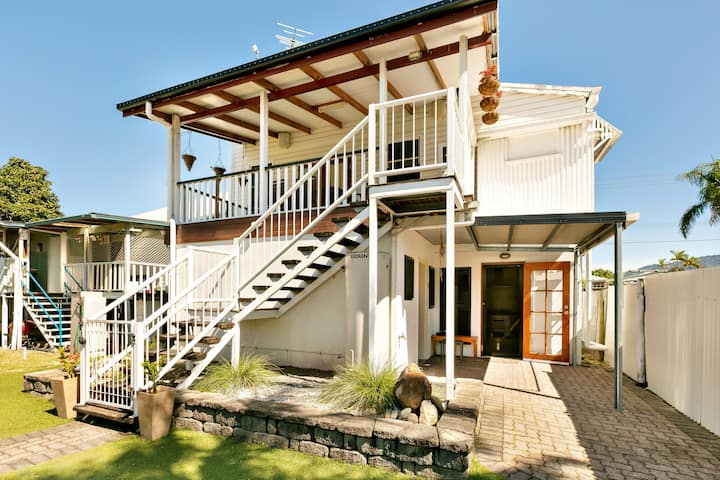 Cairns Central Walking Distance Entire Upstairs