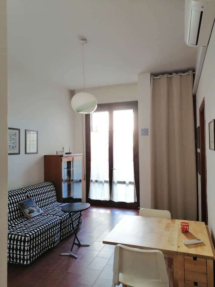 Cosy apartment near the beach with private parking