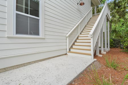 Nice wide stairs going up to the carriage house.