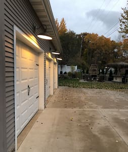 3 lights above the garage stalls to get to entrance