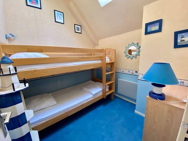 Chambre avec lits superposés 90x190cm