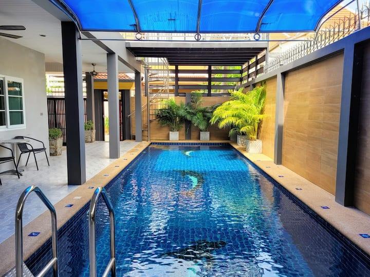 Private 3 bedroom pool villa near jomtien beach