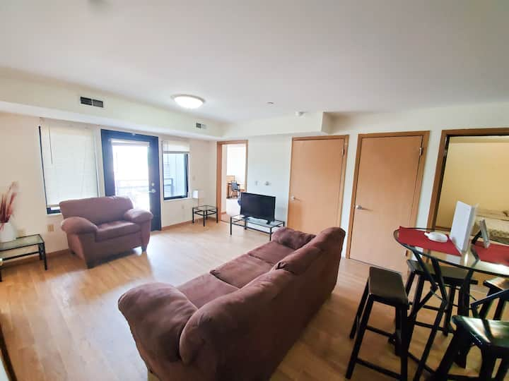 Entire 4 BR Apt. just off Green St.