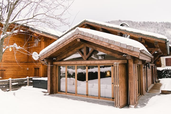 Chalet le Coffy - in the centre of Morzine