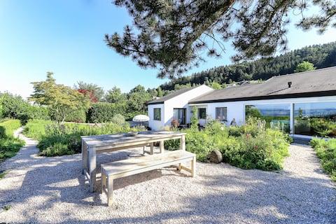 Wohnen in Natur-pur mit Traumgarten & Alpensicht