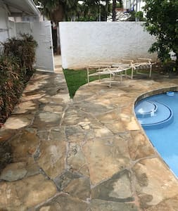 Clear entrance to pool area and to room. No seeps