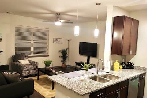 New 1-Bed/1-Bath Spacious Apartment (NPF-218)