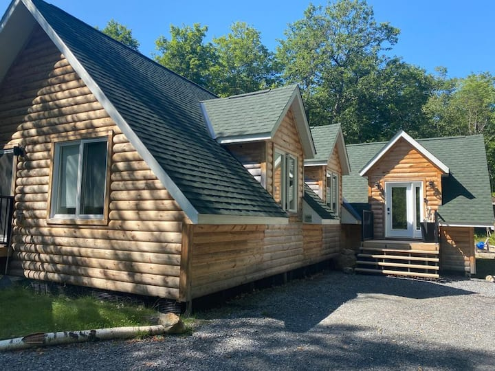 Cosy family retreat - Lake Vernon access nearby!